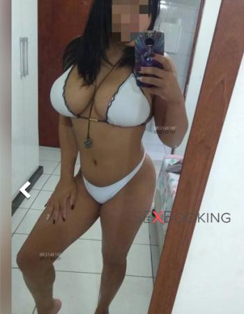 Débora Ferraz